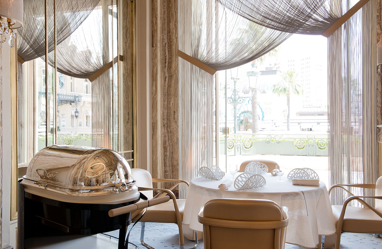 Gorgeous restaurant in ALAIN DUCASSE À L' HÔTEL DE PARIS