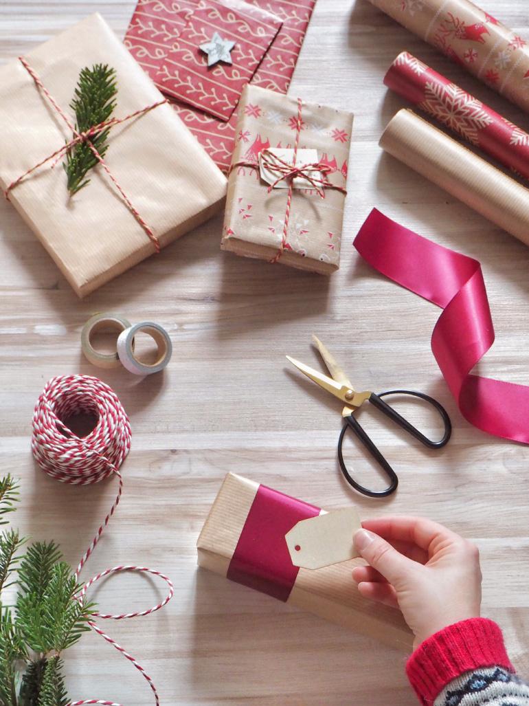 Paquets cadeaux pour Noël - tutoriel