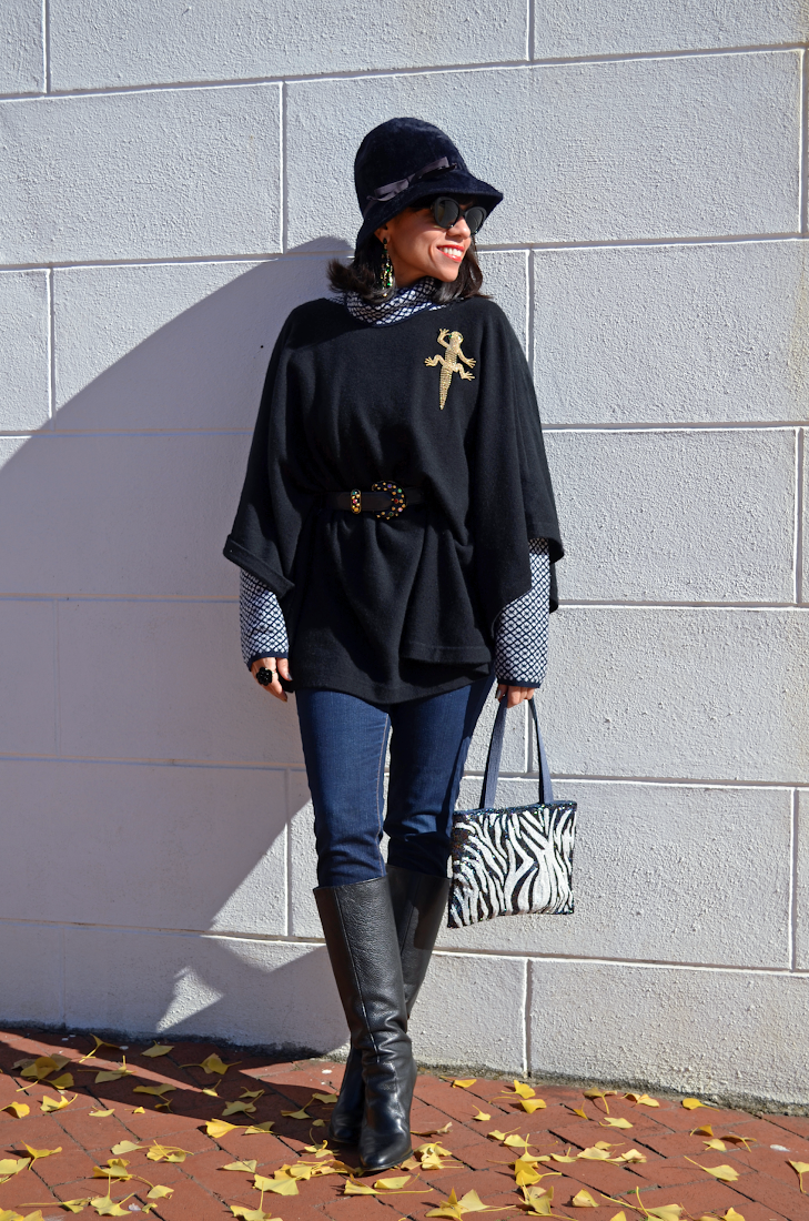 Poncho Outfit Look