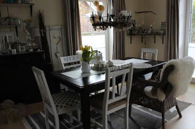 Ideen für das Esszimmer und die Essecke: Neu bezogene und gestrichene Stühle bei Bloggerin Lotte von Frauchen näht