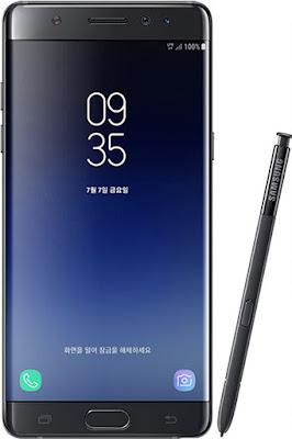 Spesifikasi Samsung Galaxy Note FE     Samsung Galaxy Note FE alias Galaxy Note 7R (versi Refurbished) telah menjadi salah satu topik hangat belakangan ini. Dan kabar terbaru yang diperoleh dari Gizchina menyebutkan bahwa ternyata Samsung diam-diam menyiapkan Galaxy Note FE dalam tiga varian. Hal ini pertama kali diketahui melalui informasi yang diperoleh dari halaman dukungan resmi Samsung. Dan kejutannya tidak hanya berhenti di situ. Karena ternyata Samsung akan menyiapkan 3 model sekaligus dari Samsung Galaxy Note FE, yang nantinya akan memeiliki code name Samsung SM-N935S, SM-N935K, dan SM935L.   Ketiga varian tersebut terlihat di halaman dukungan Samsung. Ada beberapa prediksi yang mengatakan bahwa varian dari ponsel ini hanya akan diluncurkan di Korea, dan menunjukkan dukungan pada penggunaan operator tertentu. Tiga nama model menunjukkan hal yang sama. Untuk model SM-935S mewakili model untuk SK Telecom, SM-935K untuk penggunaan operator KT, dan SM-935L mewakili dukungan penggunaan operator LG Uplus. Namun prediksi ini belum diketahui benar atau tidak.   Ada pendapat lain yang menunjukkan bahwa Samsung sebenarnya memiliki dua model lagi, yaitu SM-935F dan SM-935D yang mungkin ditujukan untuk dijual di pasar lain. Namun hingga saat ini, Samsung belum memberikan konfirmasi terkait hal tersebut. Samsung Galaxy