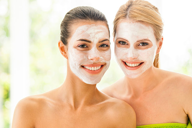Four homemade facial masks to lighten, control the oiliness and detox your skin