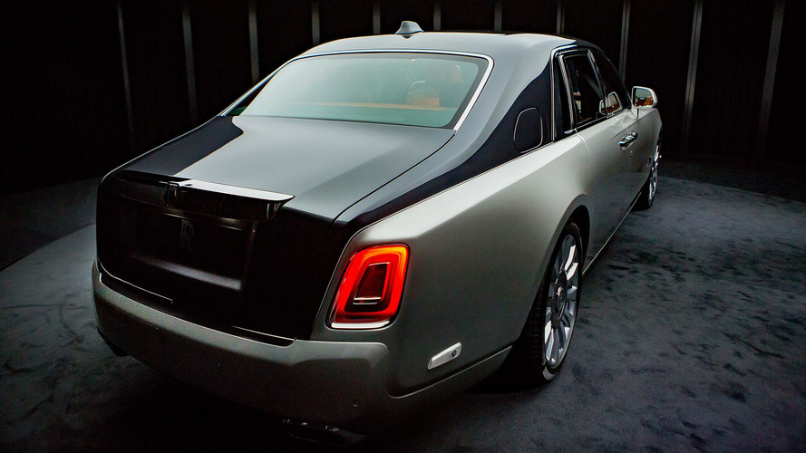 Itu0027s The All New 2018 Rolls Royce Phantom VIII. Itu0027s Very Sleek, Beautiful  And Luxurious. Very Lovely Interior Exudes Premium Quality With A Better ...