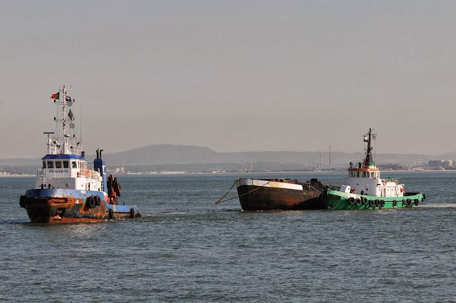 SHIPS   THE SEA - BLOGUE dos NAVIOS e do MAR  Batelão WILLI S ... c87a26d0d1c17