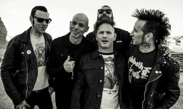 "STONE SOUR: Ακούστε τη διασκευή τους στο ""Bombtrack"" (Rage Against The Machine)"