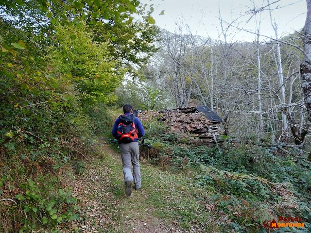 Ruta del Tiatordos: Cabañas de Palombar.