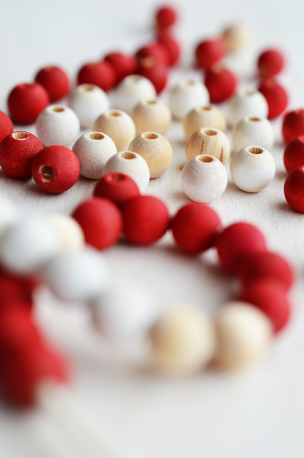 How to Paint Wooden Beads | Motte's Blog