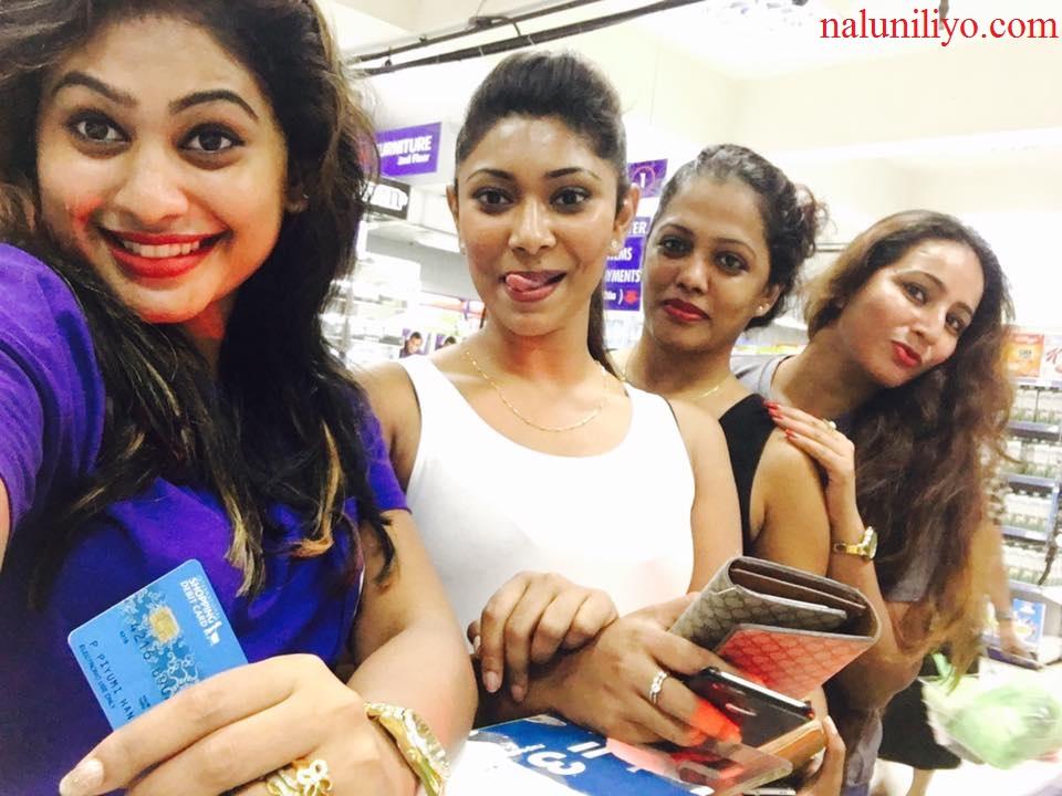 Piumi Hansamali Nipuni Wilson shopping