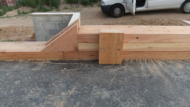 Charpentier ecoconstructeur en dordogne 24 ossature bois for Abri bois ferme