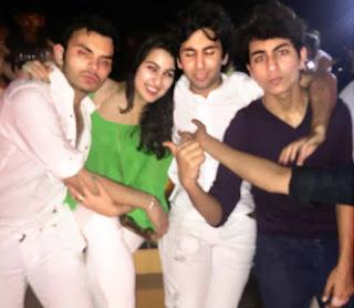 sara ali khan hot (4).jpg