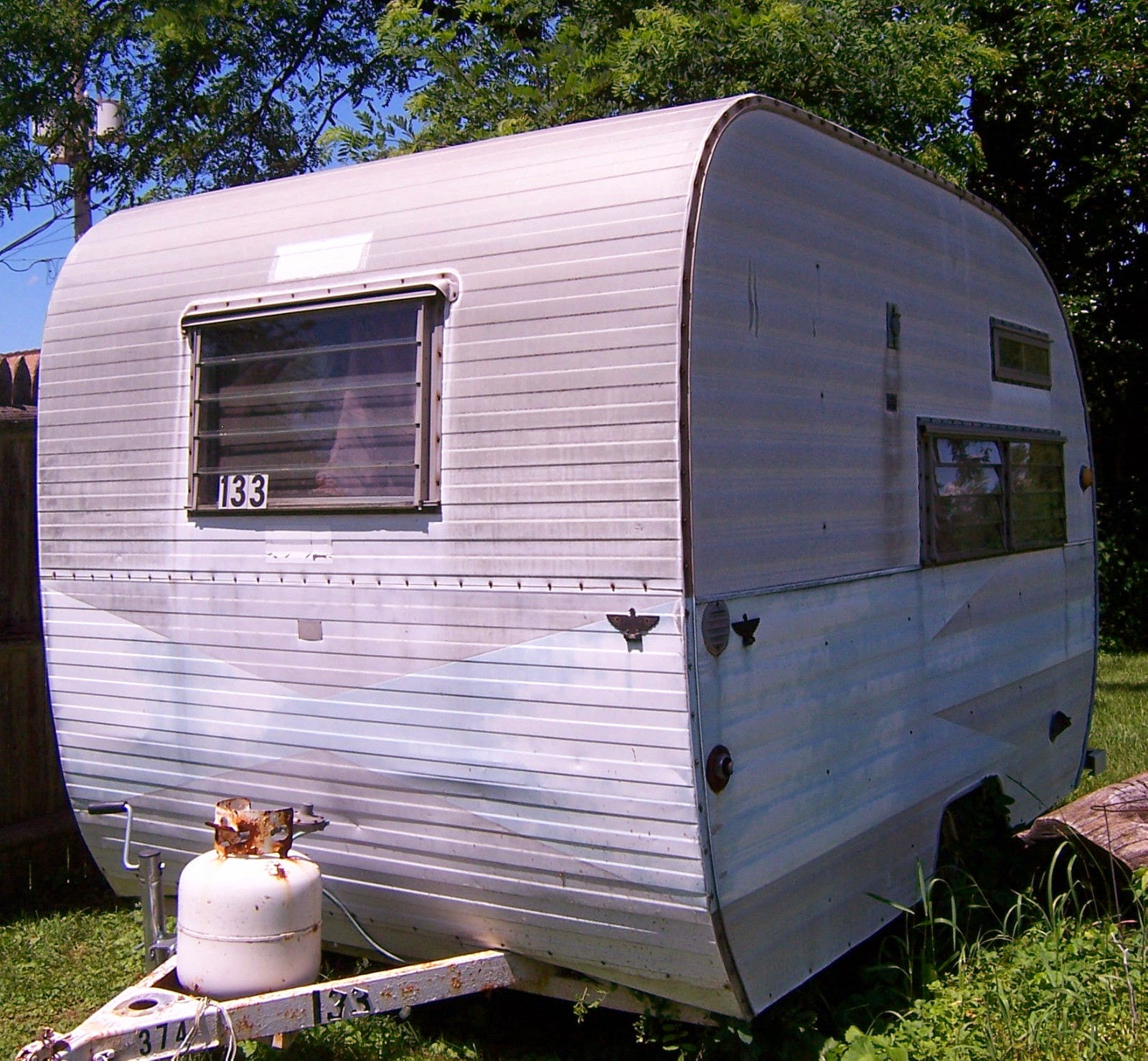 Travel Trailers With Outdoor Kitchens: Vintage Campers (Travel Trailers
