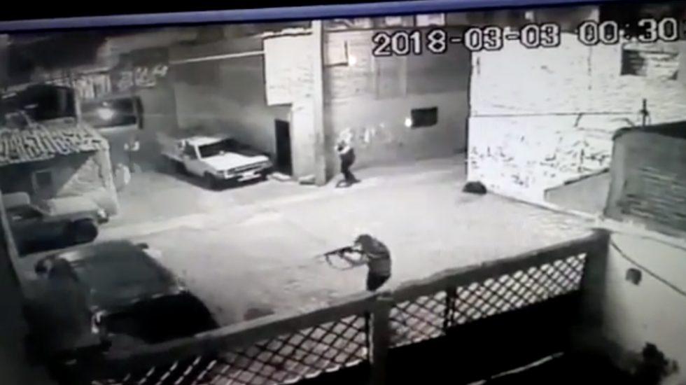 VÍDEO:  COMANDO ARMADO RAFAGUEA VECINDARIO EN LEÓN