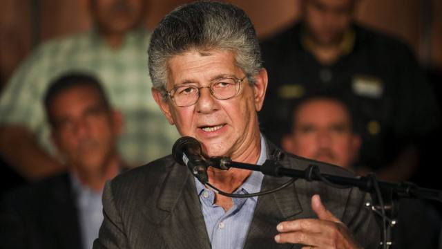 Ramos Allup: Las cuatro comadres multiplicaron los electores y los votos