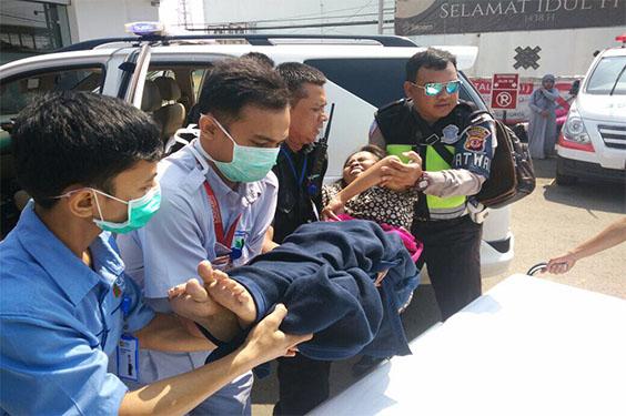 Seorang Penumpang Bus Melahirkan di Tol Cipali