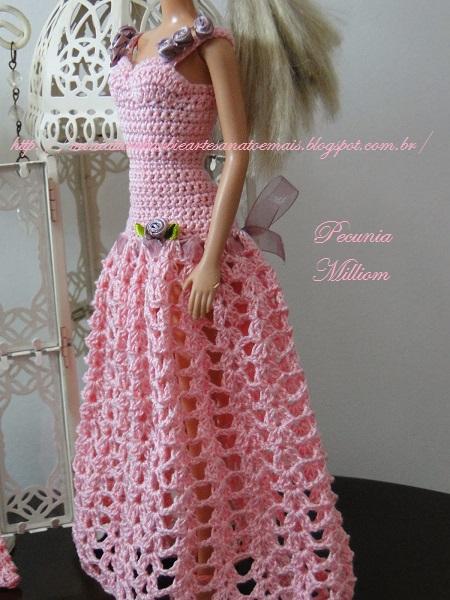 Barbie com Vestido de Festa de Crochê Modelo 2  Criação de Pecunia M. M. 6