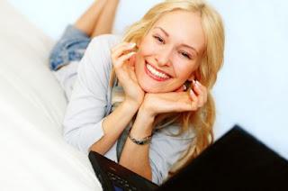 Αποτέλεσμα εικόνας για «Κάνε μια γυναίκα να γελάσει και είναι δική σου».