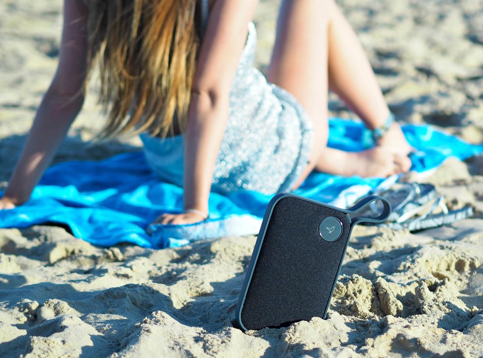libratone speaker review, beach speaker