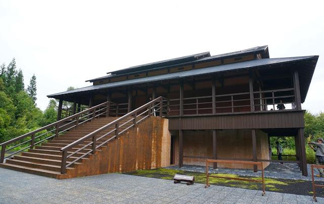 Visit House of Light in Tokamachi