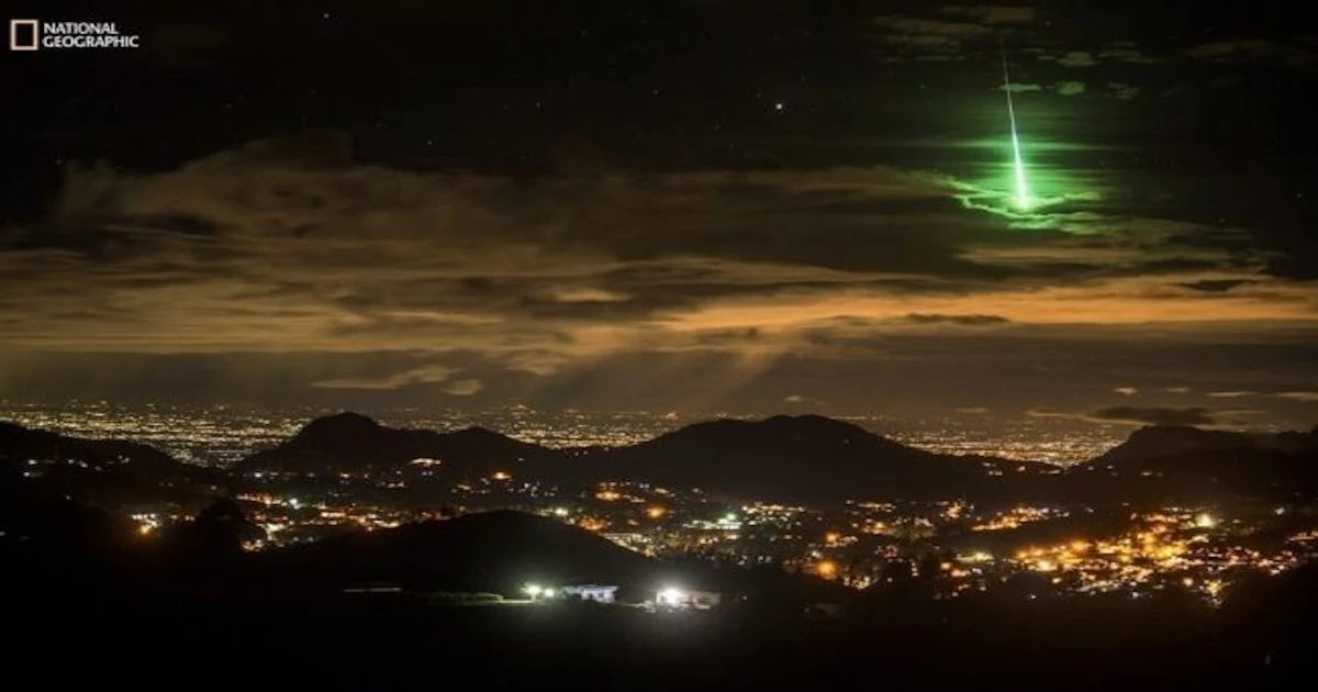 This Photographer Captured An Unbelievable Shot Of Meteor Hitting The Earth