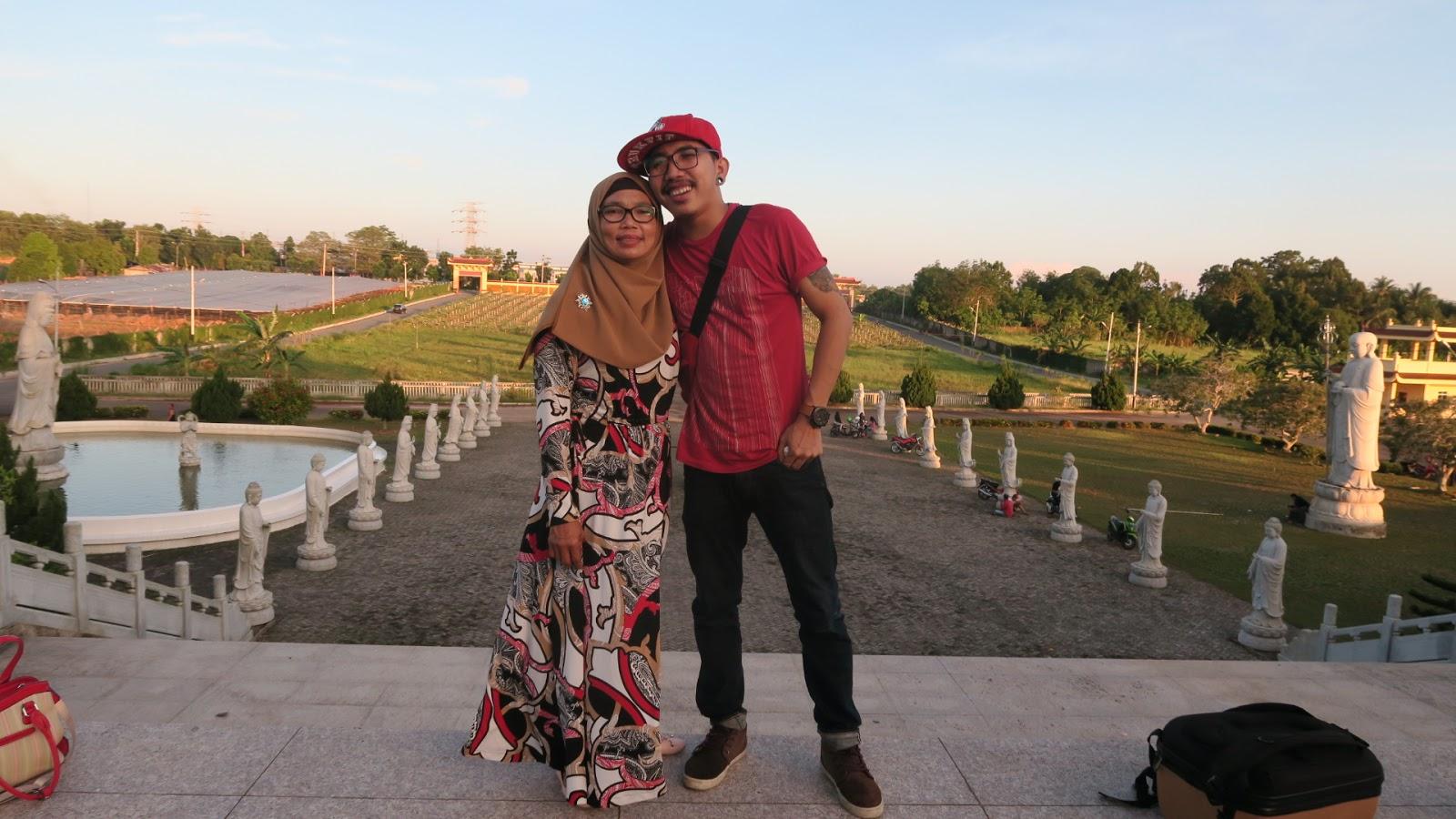 Blog Indonesia Page 2395 Of 2406 Tcash Vaganza 34 Monalisa Sarung Bantal Guling Motif Cars Masuk Ke Bagian Dalam Vihara Gue Langsung Mangap Ternyata Luar Biasa Megah Dan Menakjubkan Isinya Ada Patung Buddha Gede Banget