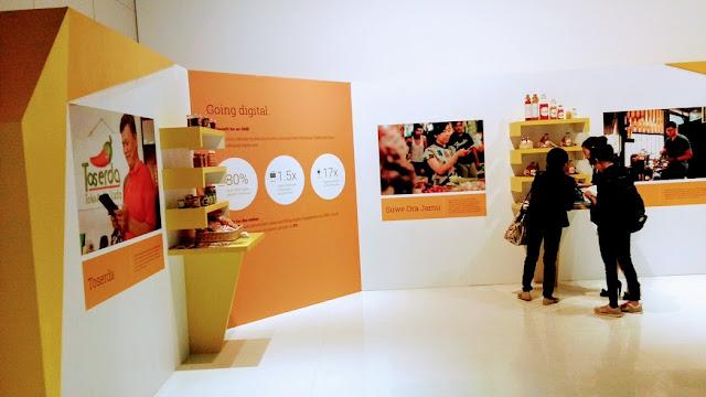 Sudut-sudut produk yang dipamerkan pada acara Peluncuran Situs Web dari Google Bisnisku