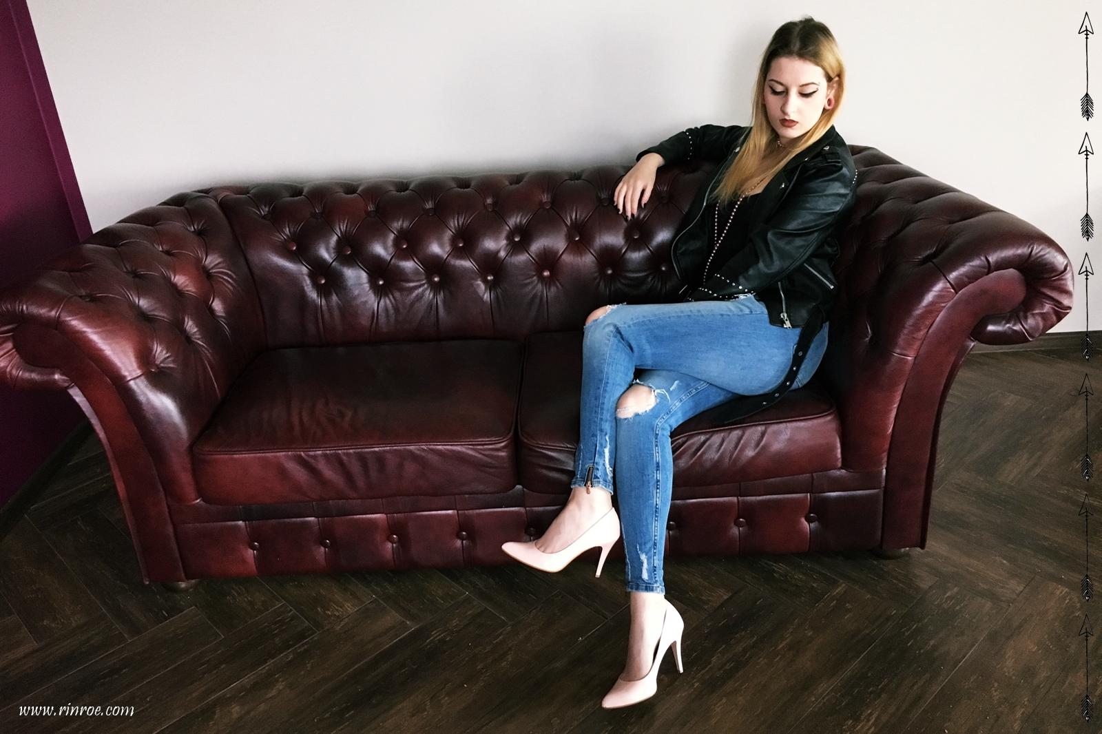 elegancki rock ramoneska, szpilki, body, jeans