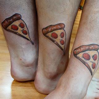 Tatuaje amigos pizza