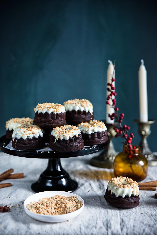 Bożonarodzeniowe babeczki kakaowo-orzechowo-kokosowe