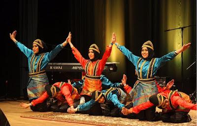 Tari Saman pergelaran Seni dan Budaya - berbagaireviews.com