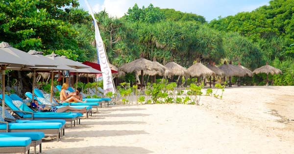 Pantai Nusa Dua Bali keindahan pulau Bali