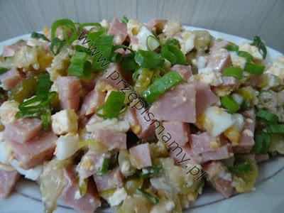 Sałatka z szynki i sera białego