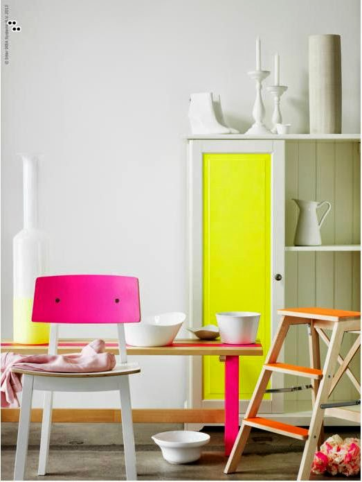 Living rooms with spring colors 5