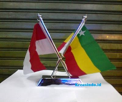 Jasa pembuatan Tiang Bendera di atas Meja di Jabodetabek