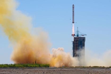 الجهوية 24 - الصين تطلق قمرا صناعيا لاستكشاف الموارد الطبيعية