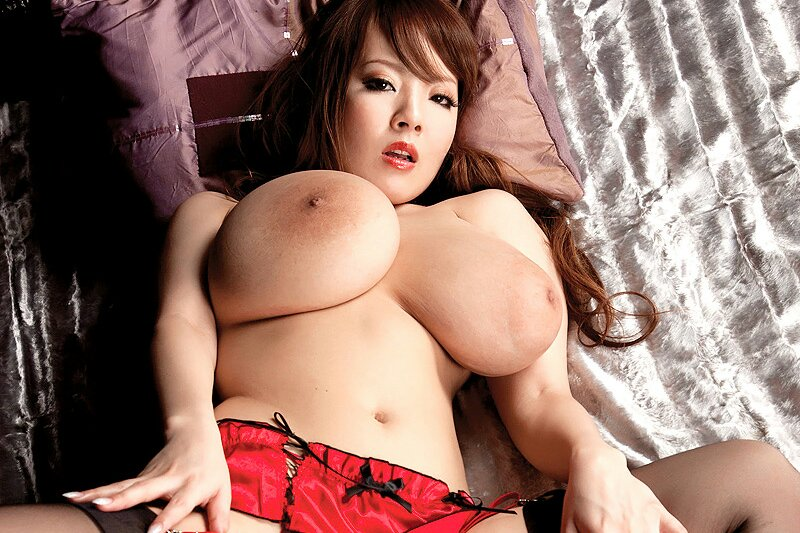 Hitomi tanaka photoshop — pic 8