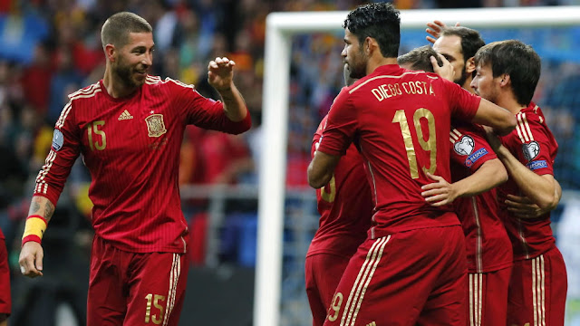 adidas le marca un gol a Villar y a España con su renovación