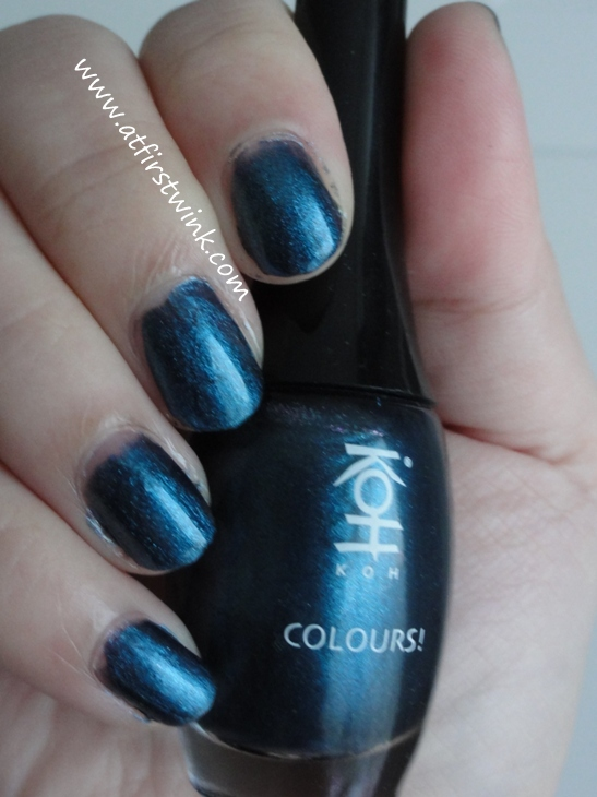 Review: Koh nail polish 130 - Midnight Blue!