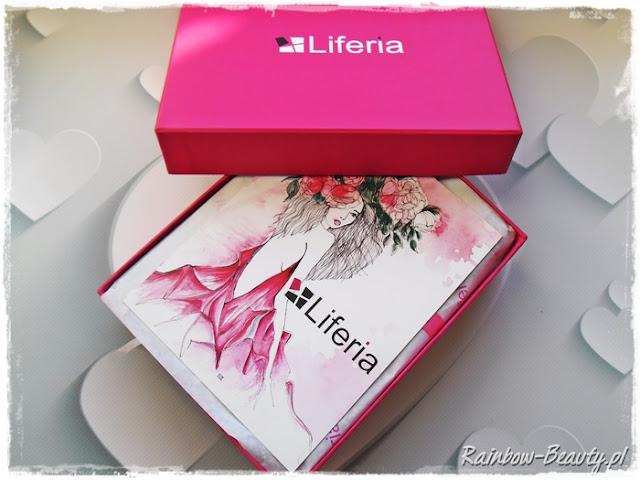 liferia-pudelko-z-kosmetykami