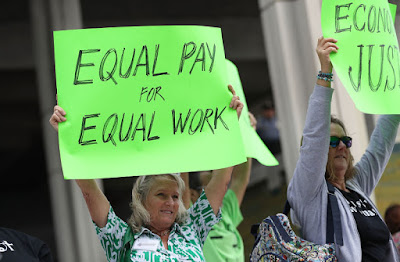 Iceland Becomes First Country to Legalize Equal Pay