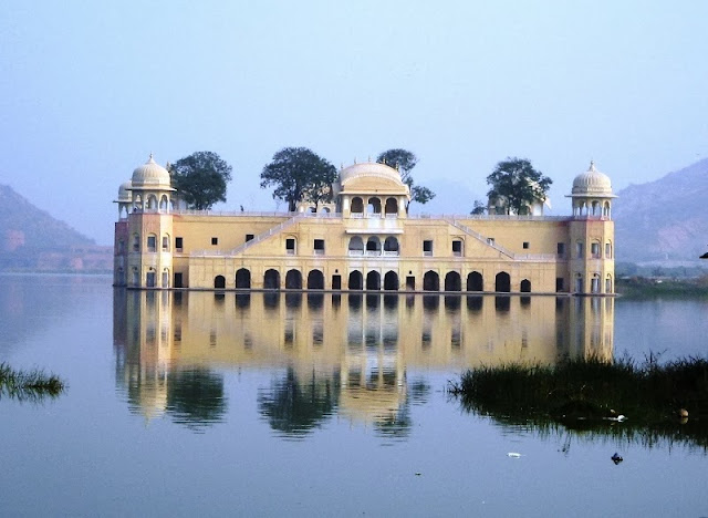 download free wallpapers of Jal Mahal at evening session