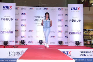 Actress Iniya Stills in Denim Jeans at Max Spring 2017 Collection Launch  0017.jpg