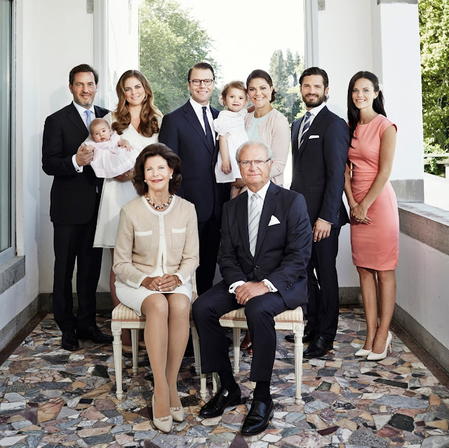 The Royal Court, published a new official photo of the Swedish Royal Family. 2014