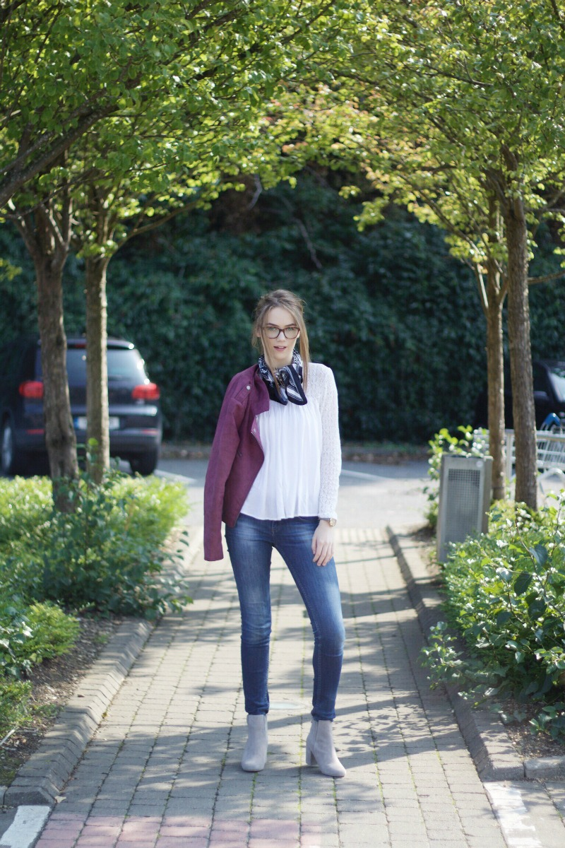 Autumn burgundy biker jacket outfit