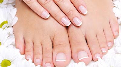 Παθήσεις που αποκαλύπτουν τα νύχια σας. Ποιες τροφές κάνουν καλό στην υγεία των νυχιών σας;