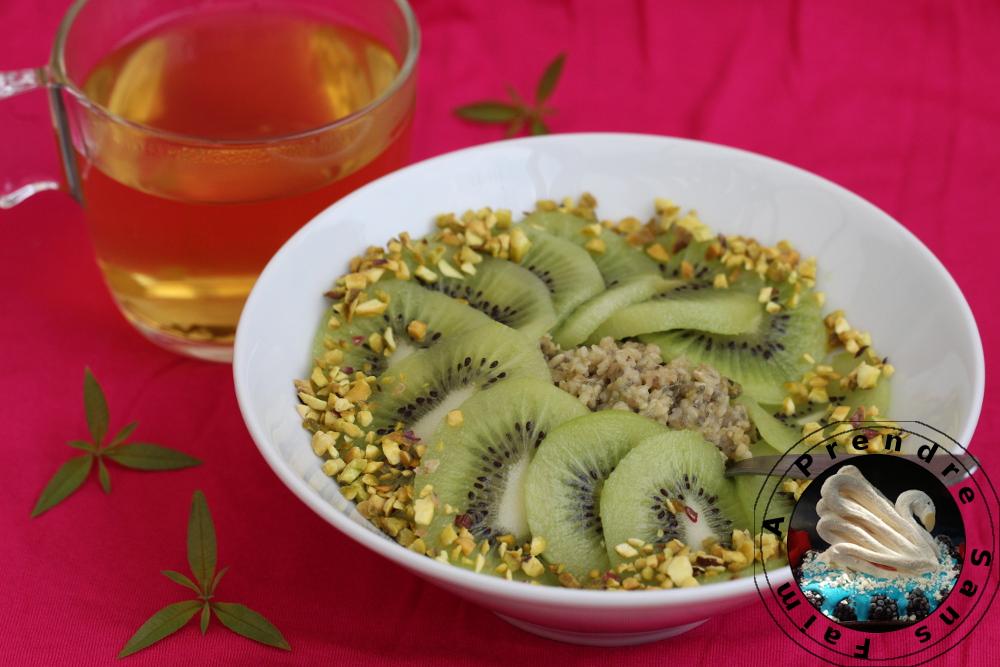 Flocons crémeux sans cuisson kiwi matcha pistaches