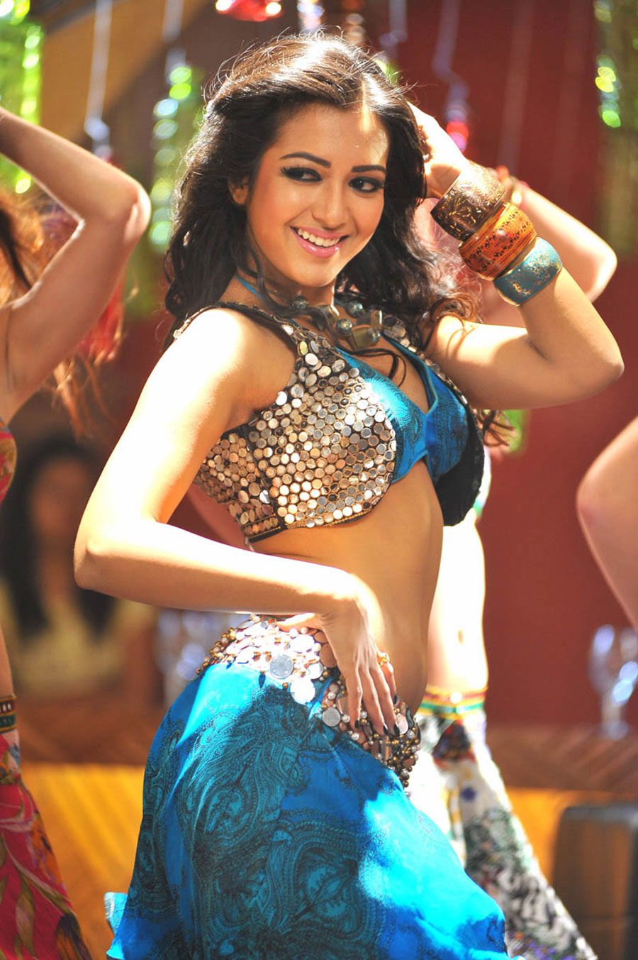 Catherine tresa hot & glamorous photos from iddarammayilatho