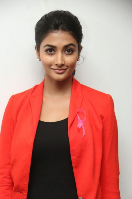 pooja-hegde-cute-photo