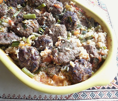 Meatball Pilaf with Green Beans & Peppers