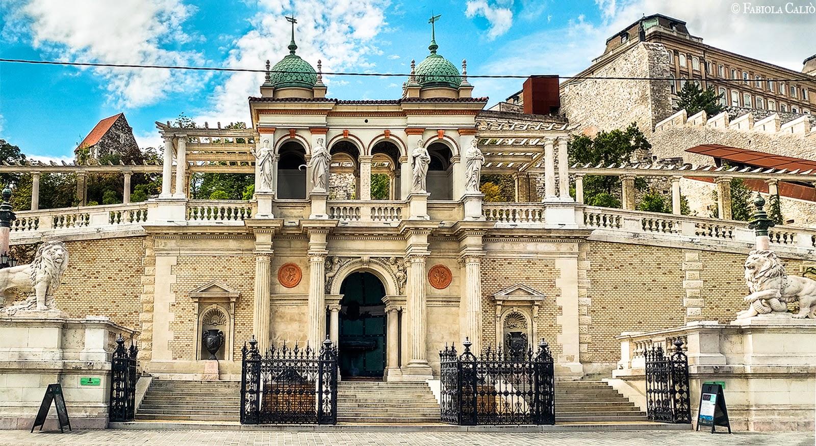 Budapest Il Padiglione e i Giardini Reali