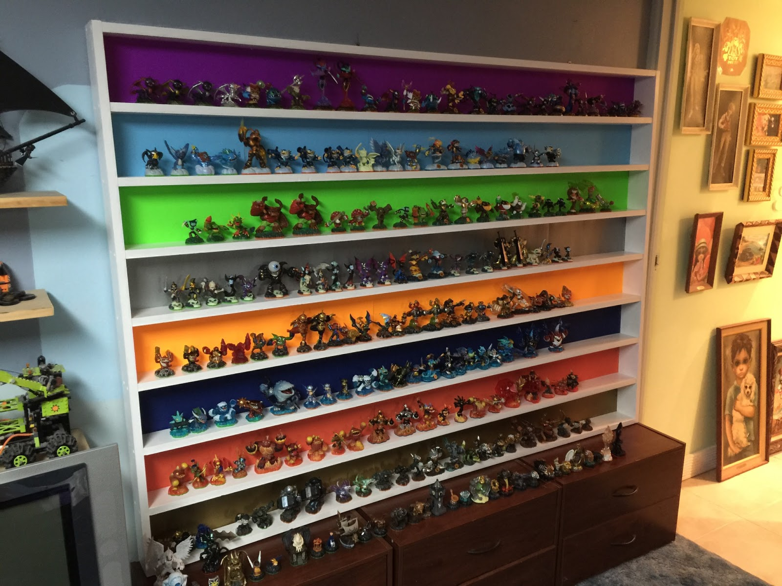 Superieur Our Skylander Shelf